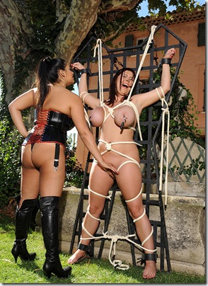house-of-taboo-chubby-babe-tied-with-ropes